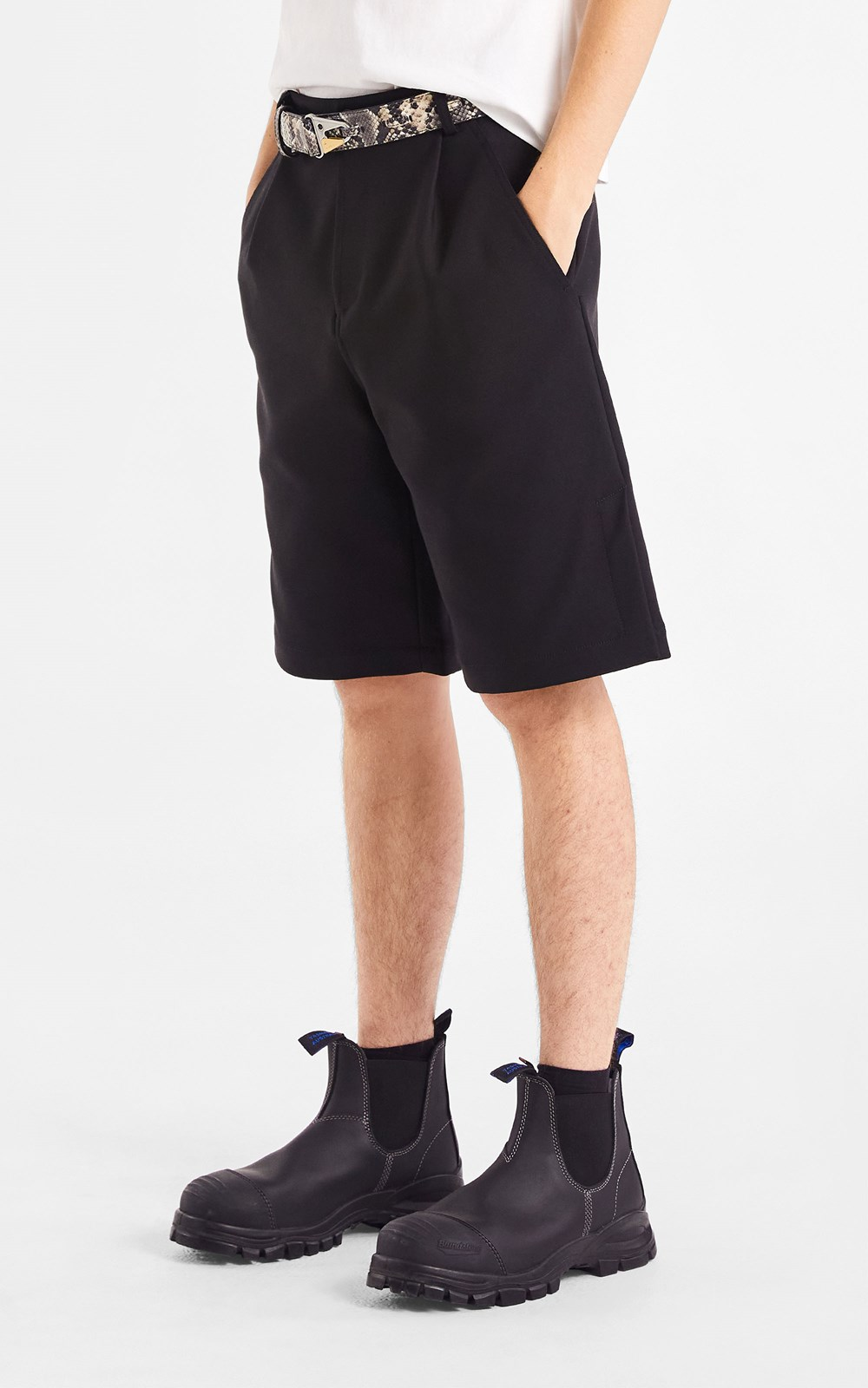Pants | VENTED PLEAT SHORT