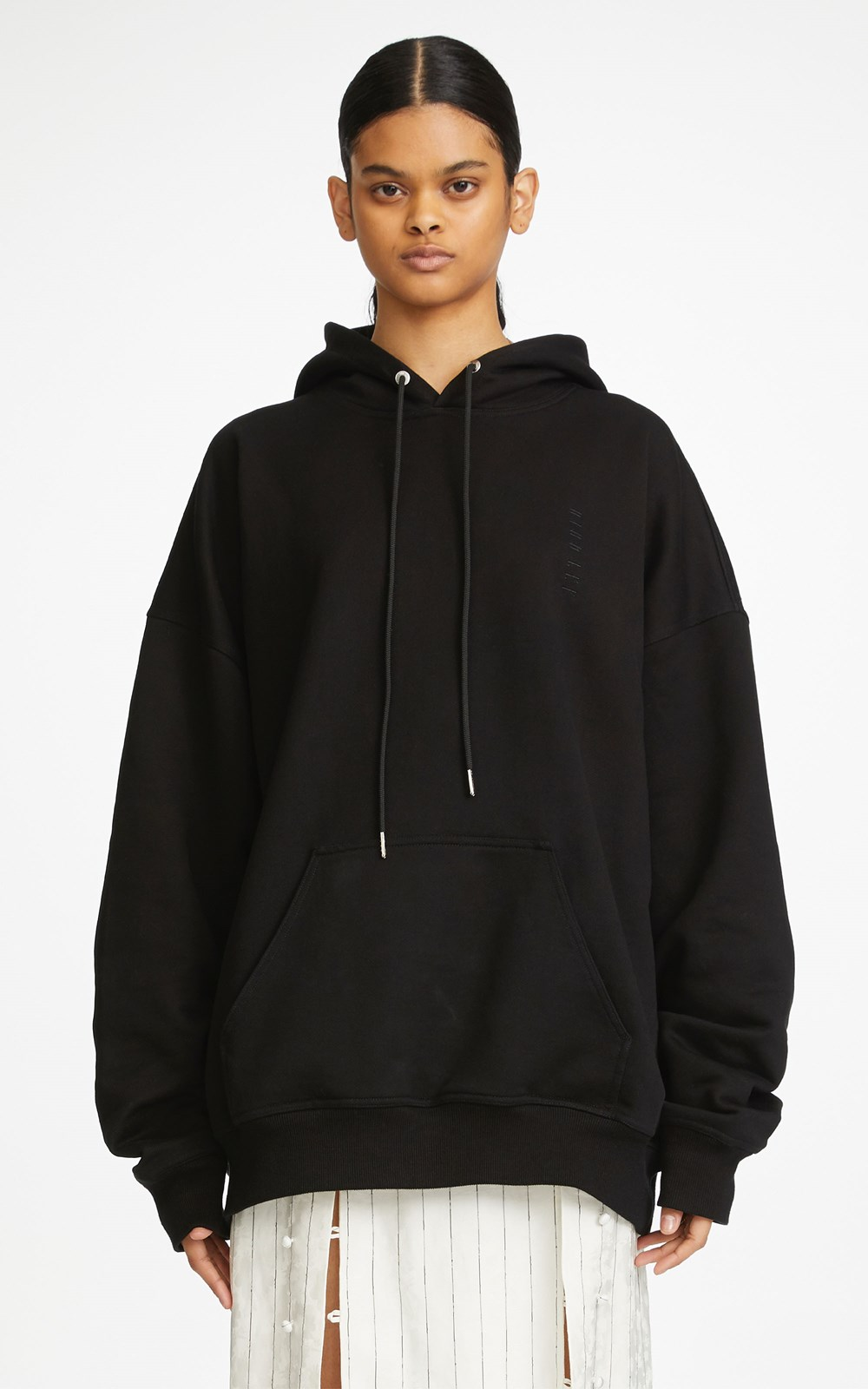 New   | EMBROIDERED LOGO OVERSIZED HOODIE