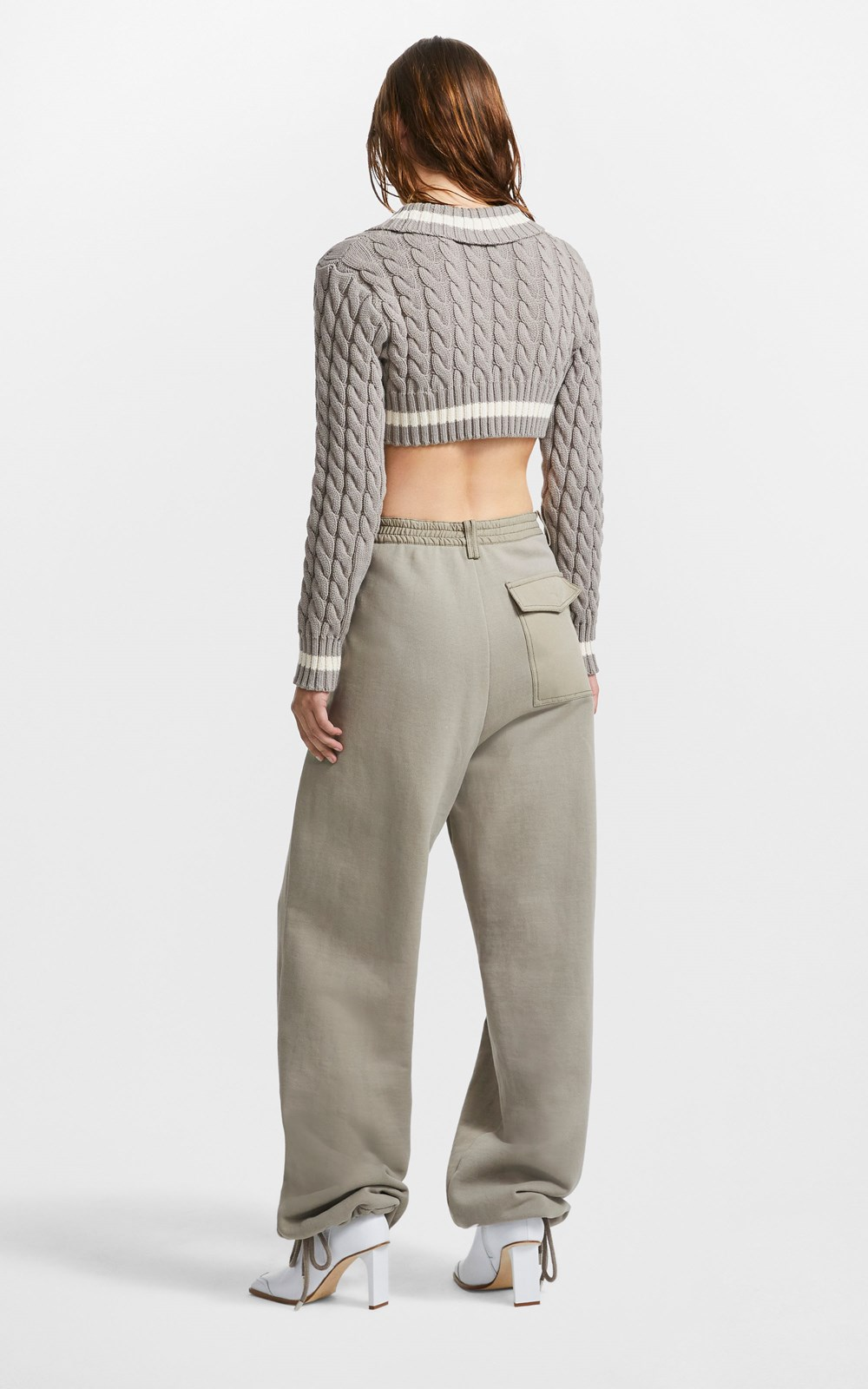 New     CROPPED CABLE SWEATER