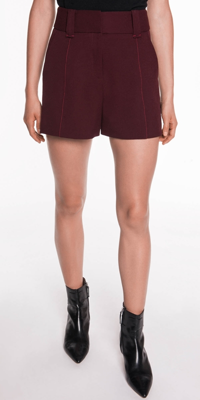 Sale  | Crepe Topstitched Short