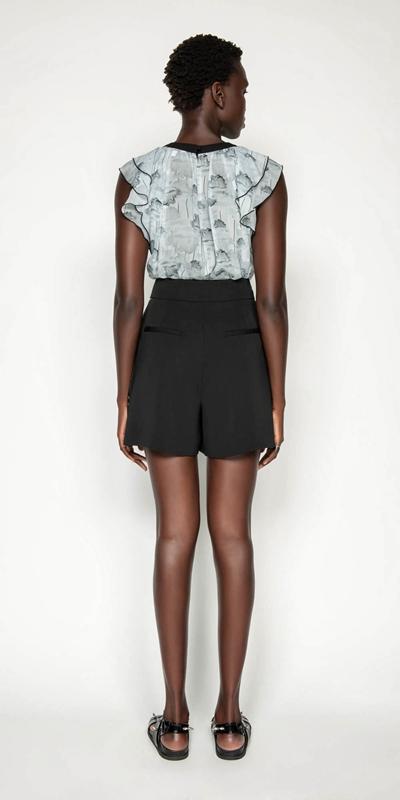 Pants | Belted Crepe Short