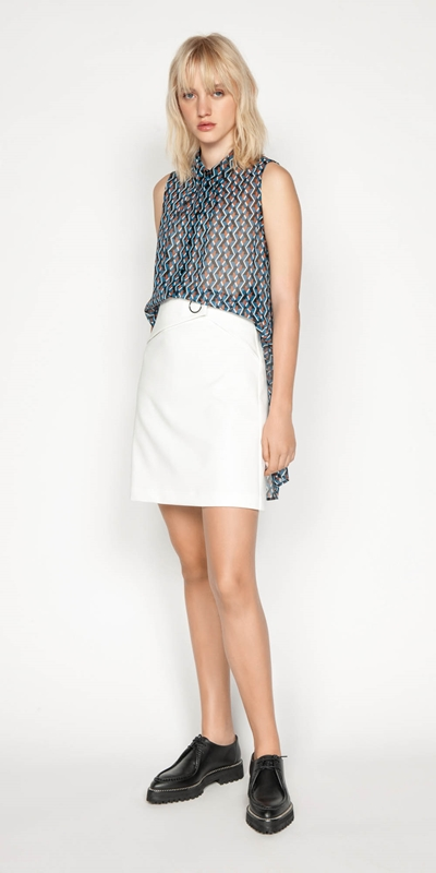 Wear to Work | Geometric Stepped Hem Top