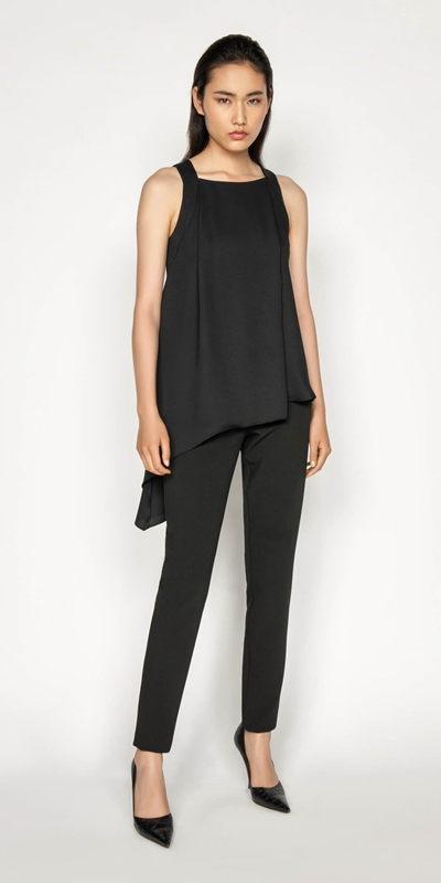 Sale | Asymmetric Hem Top
