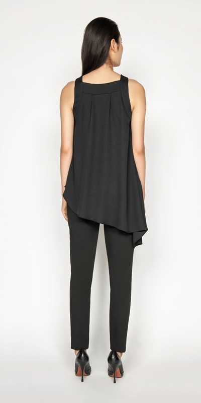 Tops | Asymmetric Hem Top