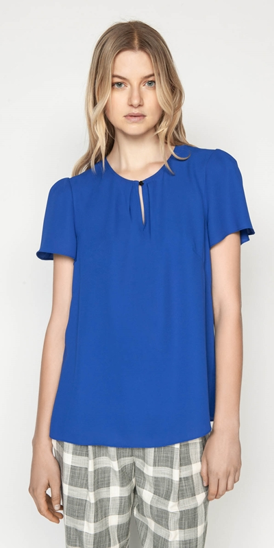 Sale  | Keyhole Fluted Sleeve Top