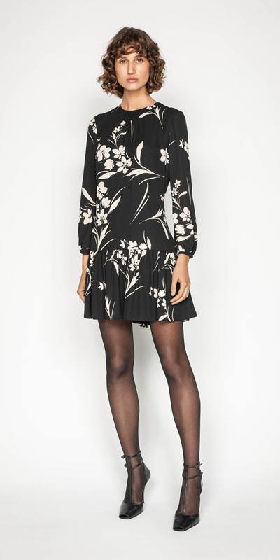 Cue Silhouette Bouquet Georgette Trapeze Dress | Stay at Home Mum