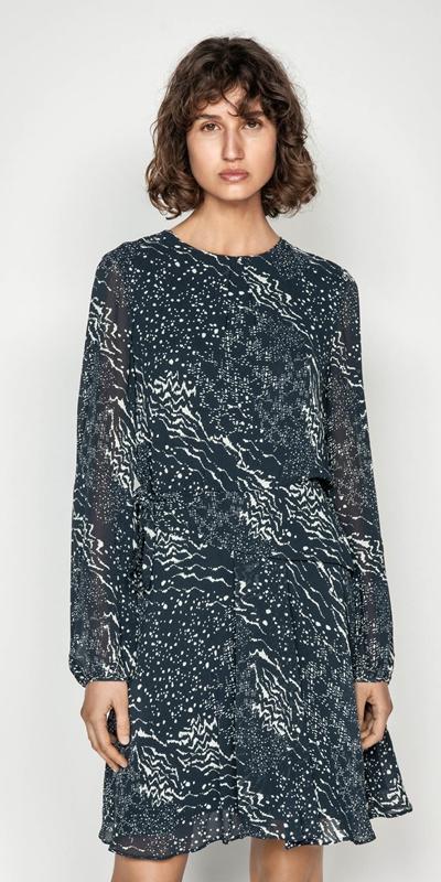 Sale  | Monochrome Tie Waist Midi Dress