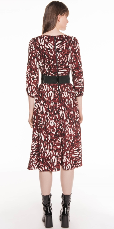 2612202420 Abstract Leopard Boat Neck Dress